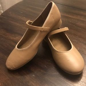 Girls size 2 tap shoes